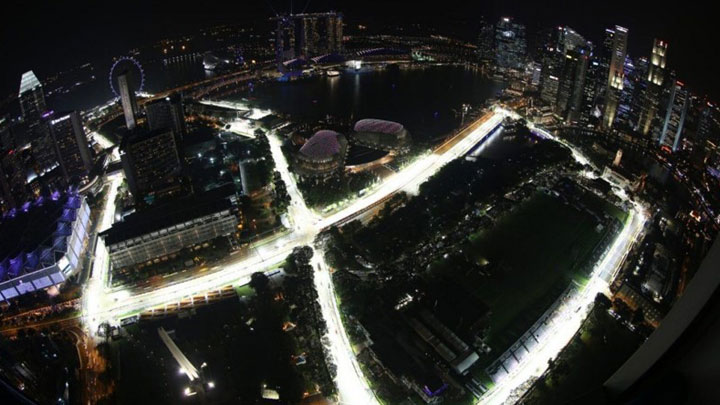 Philips Lighting providing safe driving conditions in Singapore streets at night