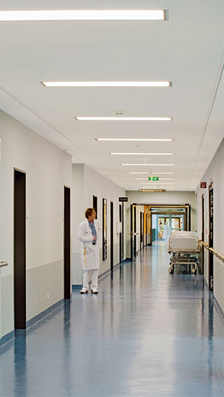 Philips Lighting gives light to the corridors of Asklepios Clinic Barmbek, Germany