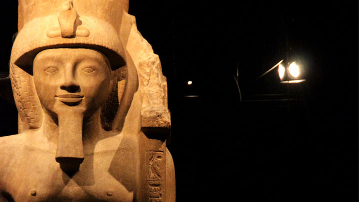 Lighting a statue at the Egyptian Museum, Italy by Philips Lighting - lighting preserving art