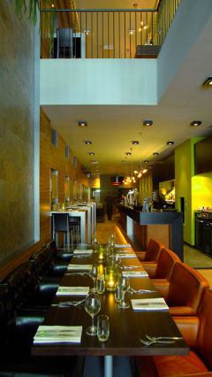 Restaurant Flinstering welcomes diners with a comfortable ambience thanks to Philips restaurant and bar lighting
