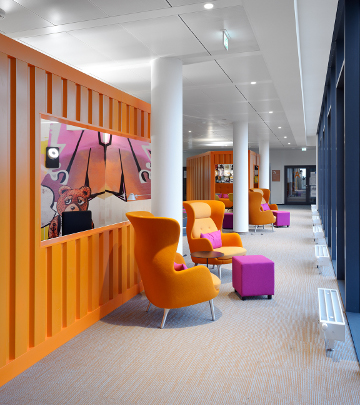 Philips Hamburg office, innovative LED lighting solution, workspace innovation, employee well-being