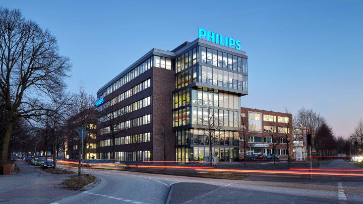 Philips Hamburg headquarters office lighting installation, office building