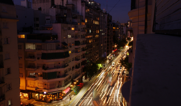 Buenos Aires: a scalable approach