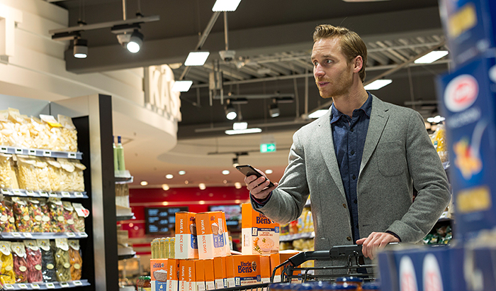 Philips Lighting installs first supermarket with indoor positioning in Germany