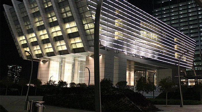 Exterior view of Abu Dhabi financial center, a lighting project by Philips and Lumasense